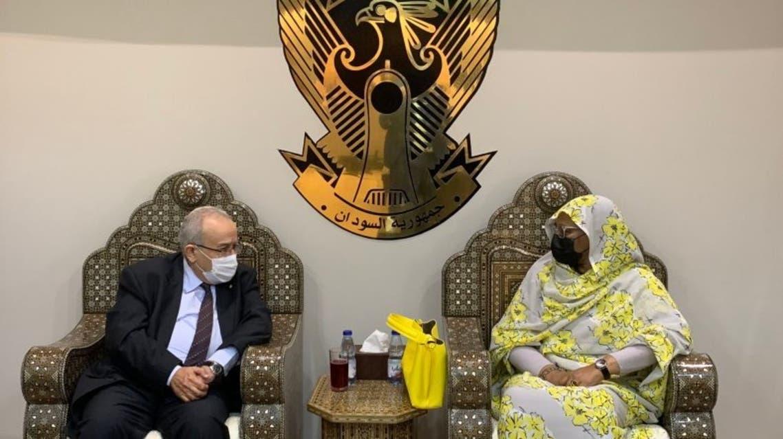 وزيرة الخارجية السودانية مريم الصادق المهدي، مع نظيرها الجزائري رمطان لعمامرة،