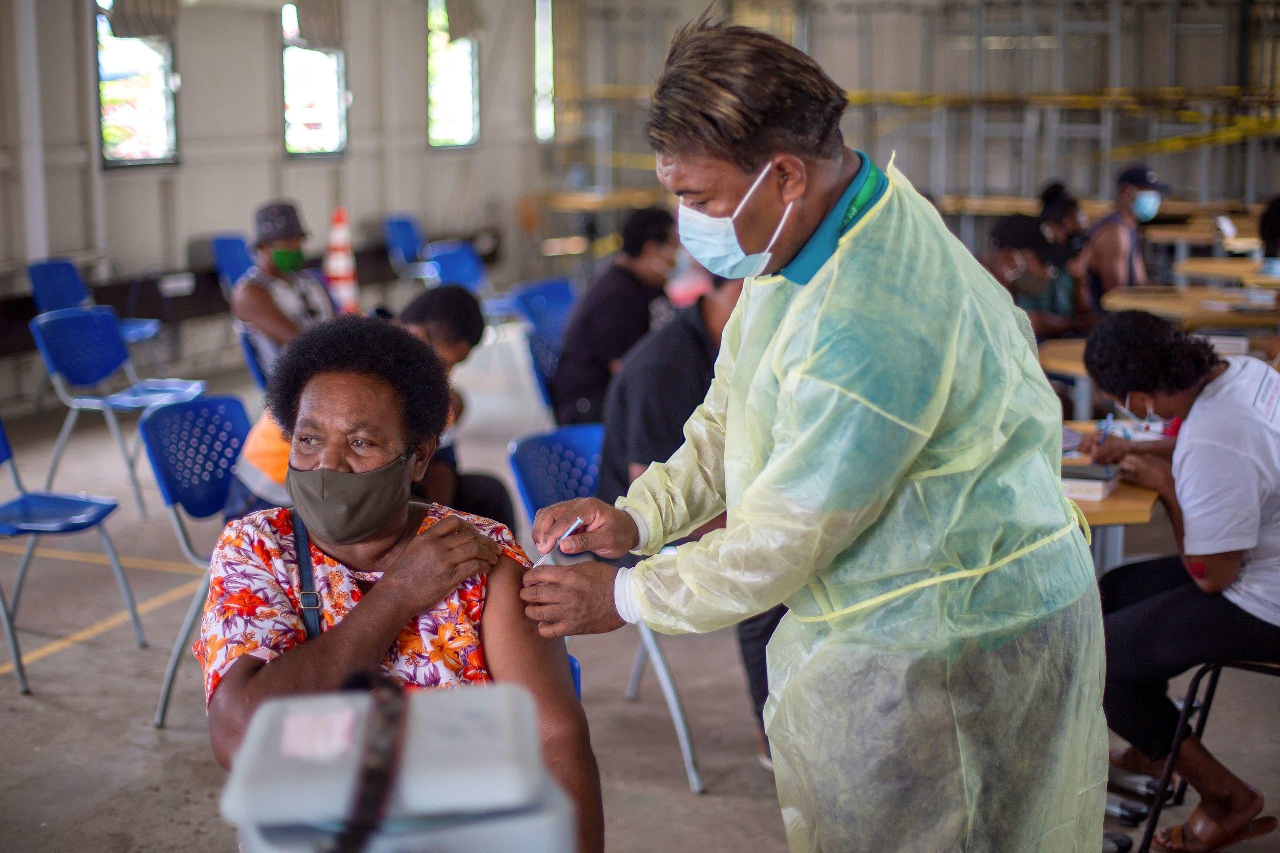 من حملة التطعيم ضد كورونا في جزيرة فيدجي