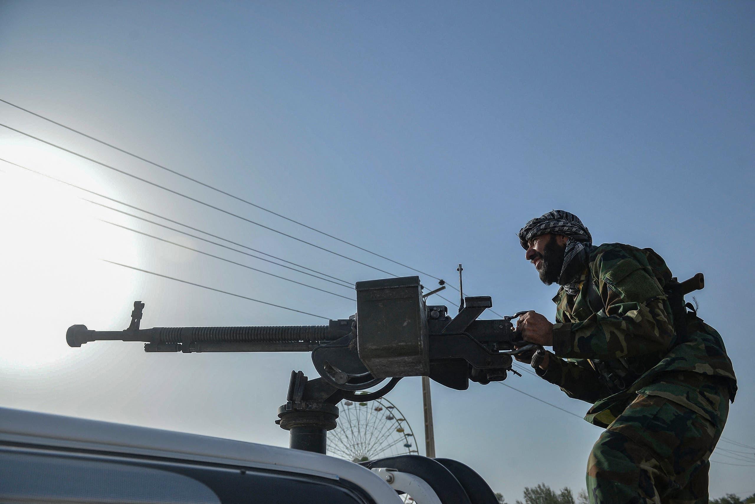 عنصر تابع للقوات الأفغانية