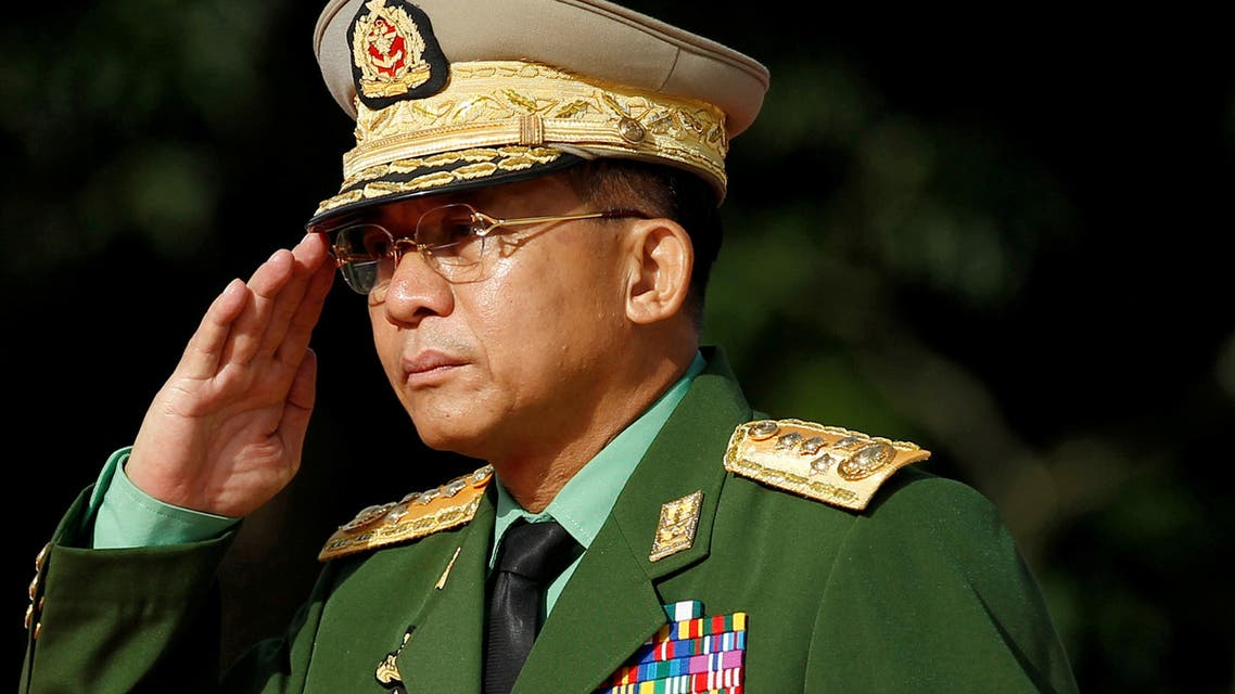 Myanmar Commander in Chief Senior General Min Aung Hlaing salutes as he attends an event marking the anniversary of Martyrs' Day at the Martyrs' Mausoleum in Yangon July 19, 2016. (File Photo: Reuters)