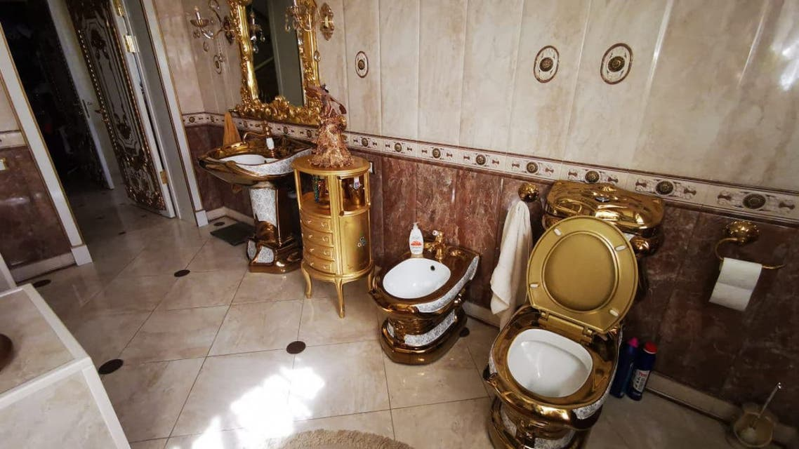One photo — that of the residence's golden toilet bowl — quickly spread across Russian social media. (Twitter)