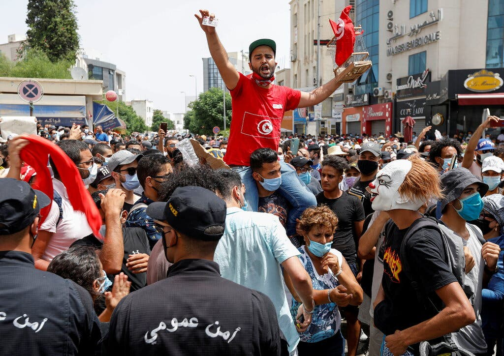 من احتجاجات تونس المؤيدة لقيس سعيّد
