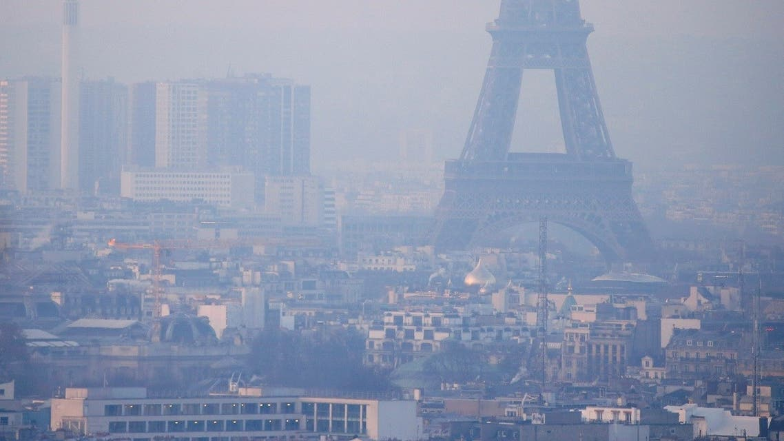 The Eiffel Tower is surrounded by a small-particle haze which hangs above the skyline in Paris, France, December 9, 2016 as the City of Light experienced the worst air pollution in a decade. (Reuters/Gonzalo Fuentes)