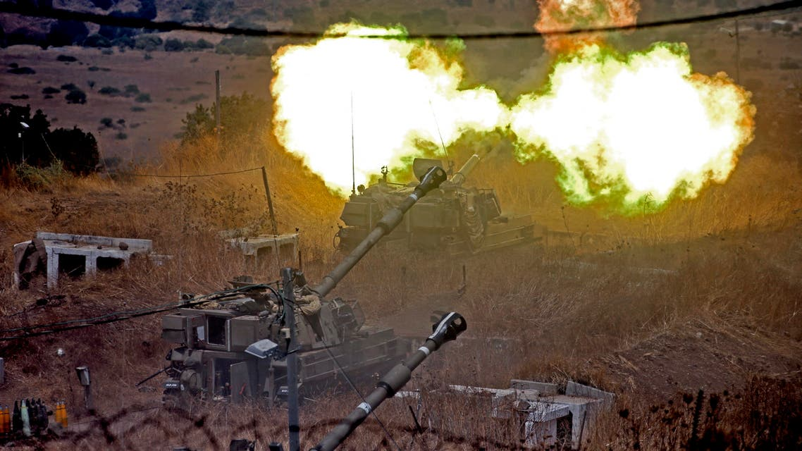 sraeli self-propelled howitzers fire towards Lebanon from a position near the northern Israeli town of Kiryat Shmona following rocket fire from the Lebanese side of the border, on August 6, 2021. (File photo: AFP)