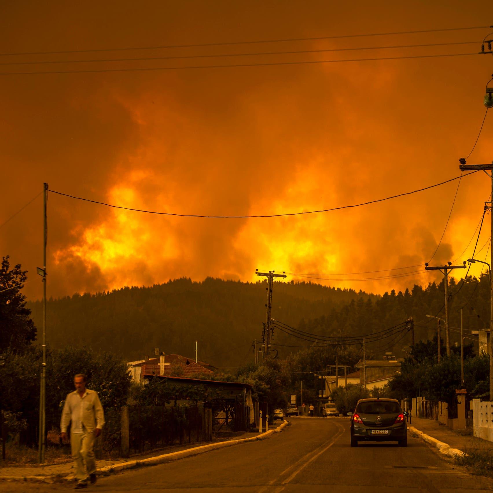 حرائق اليونان المتواصلة تجبر المئات على الفرار وتدمّر منازل