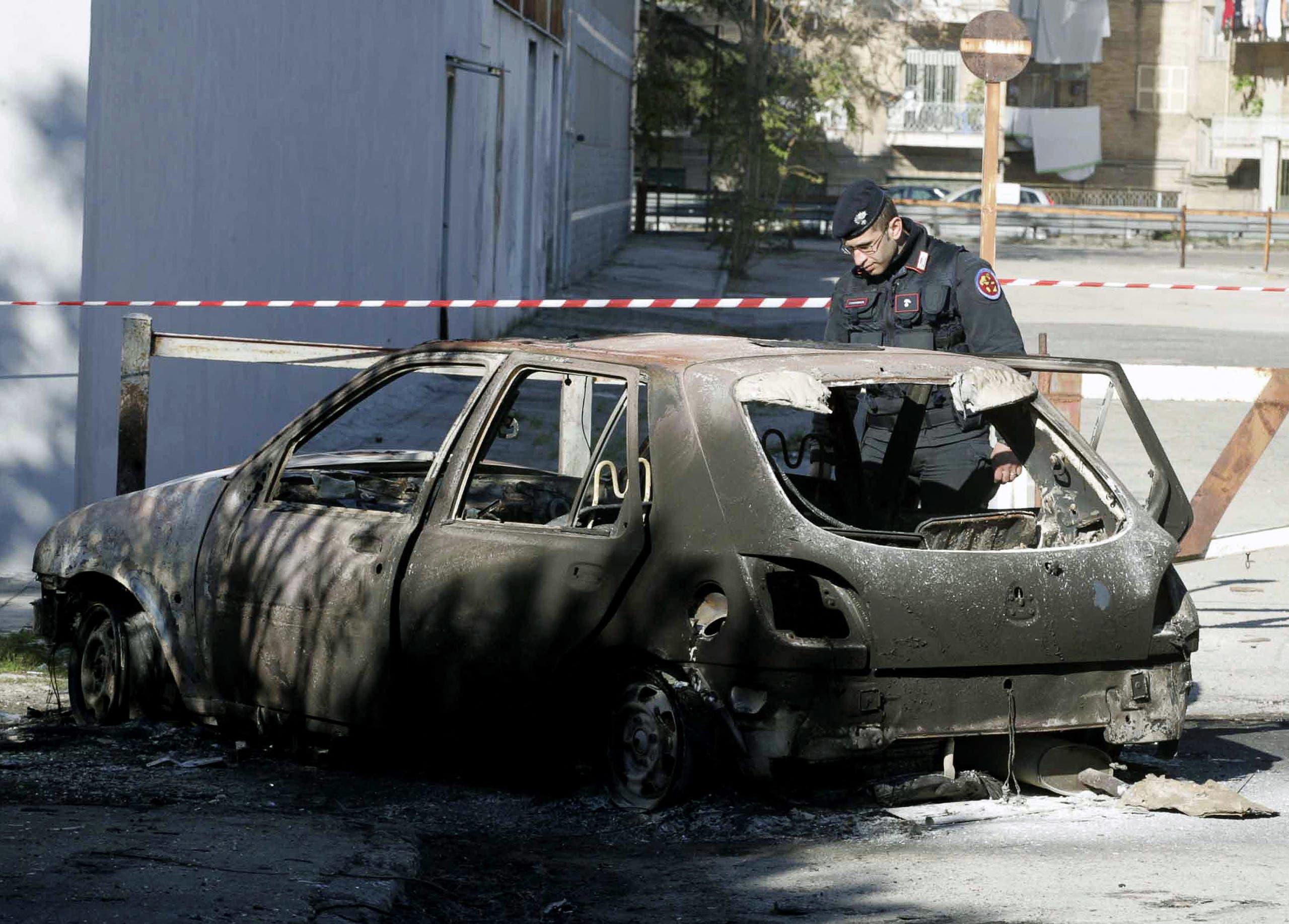 جريمة على صلة بالمافيا في ضاحية سيكونديليانو في نابولي في 2004