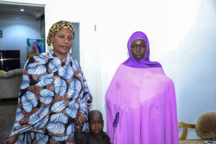 روث نغلادار بوغو في منزل اكم ولاية بورنو النيجيرية