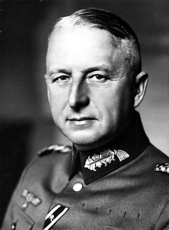 صورة للجنرال فون مانشتاين