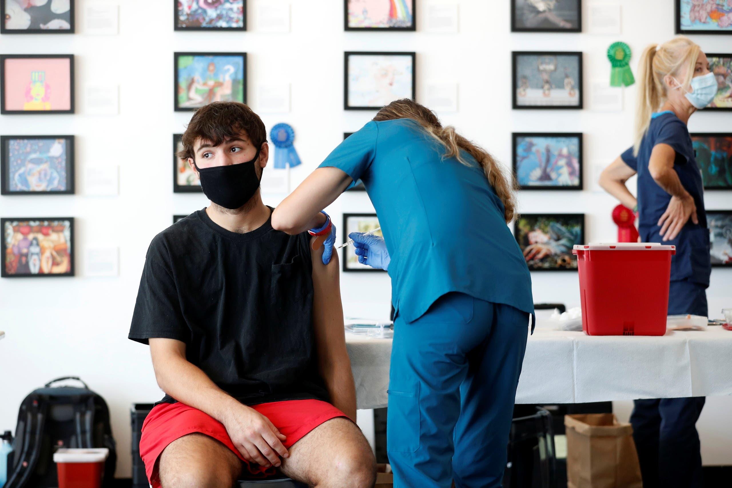 من حملة تطعيم المراهقين في فلوريدا