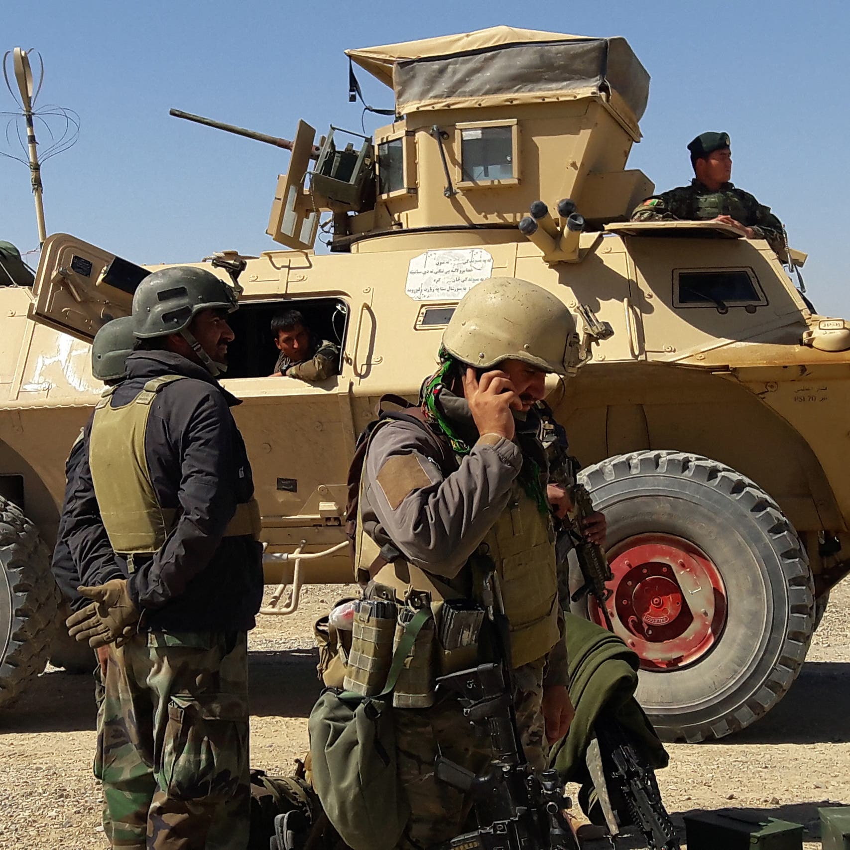 حركة طالبان تقتل مدير محطة إذاعية وتخطف صحفياً