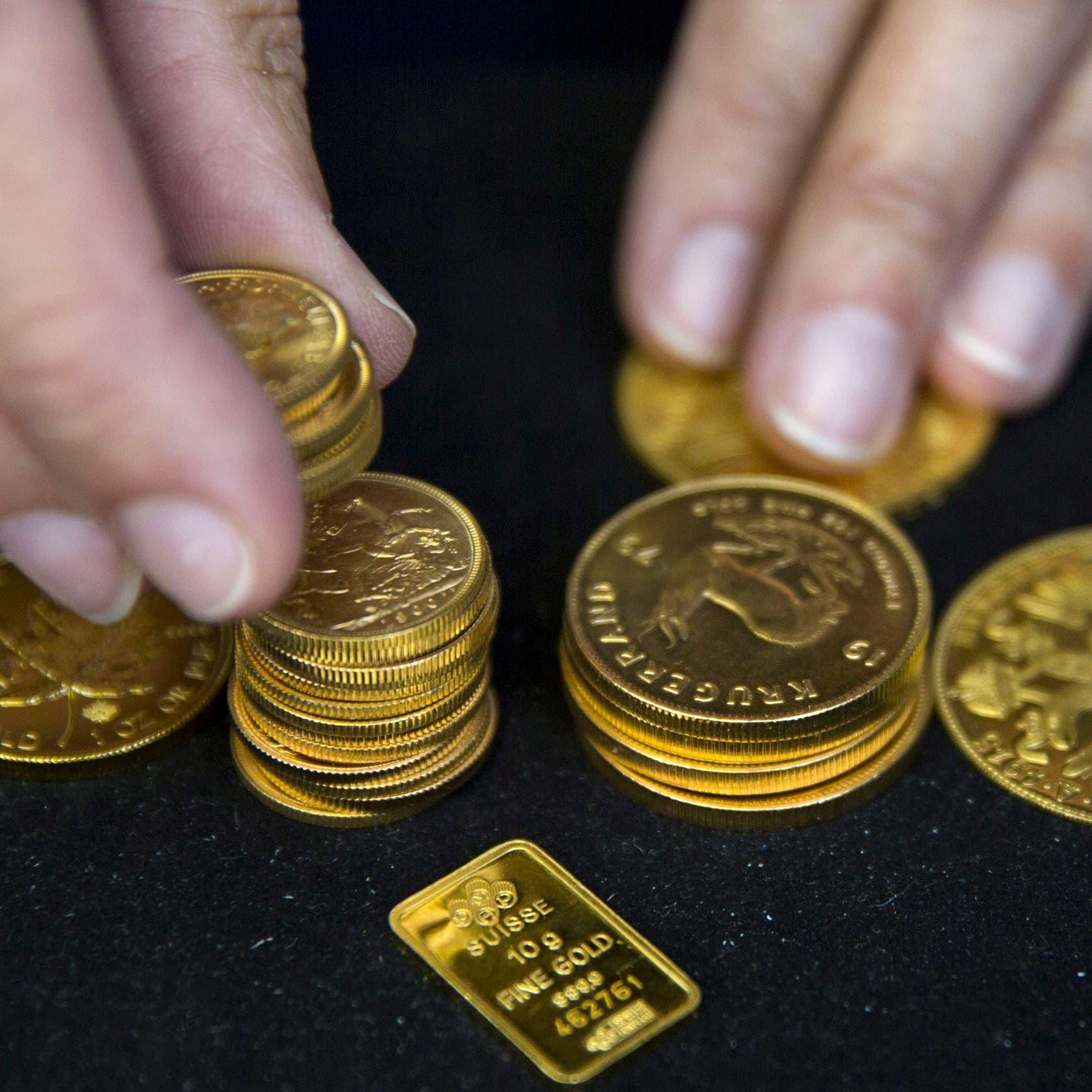 الذهب ينتعش قليلا بعد كبح جماح الدولار