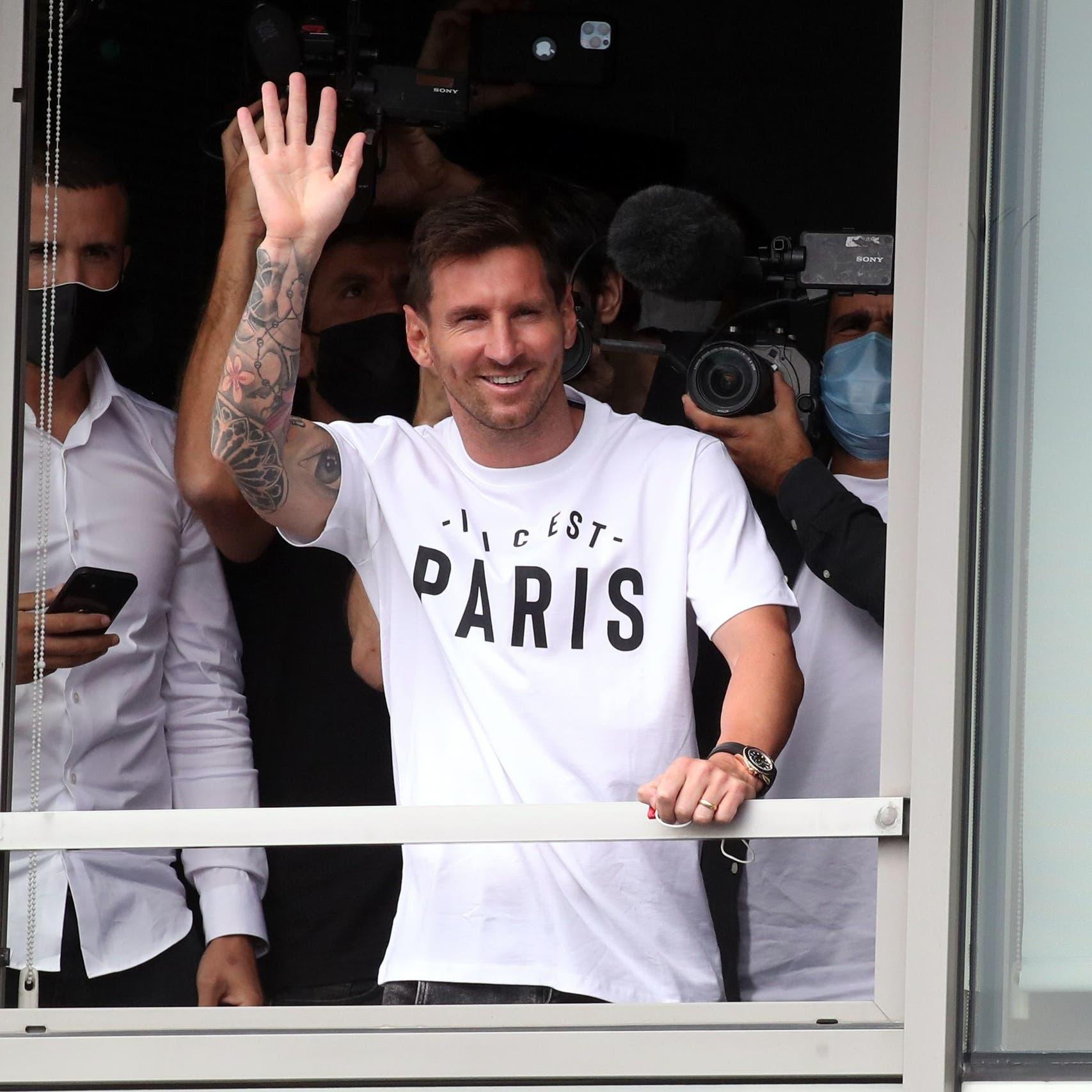 فيديو وصور.. ميسي في فرنسا لإتمام انتقاله إلى باريس