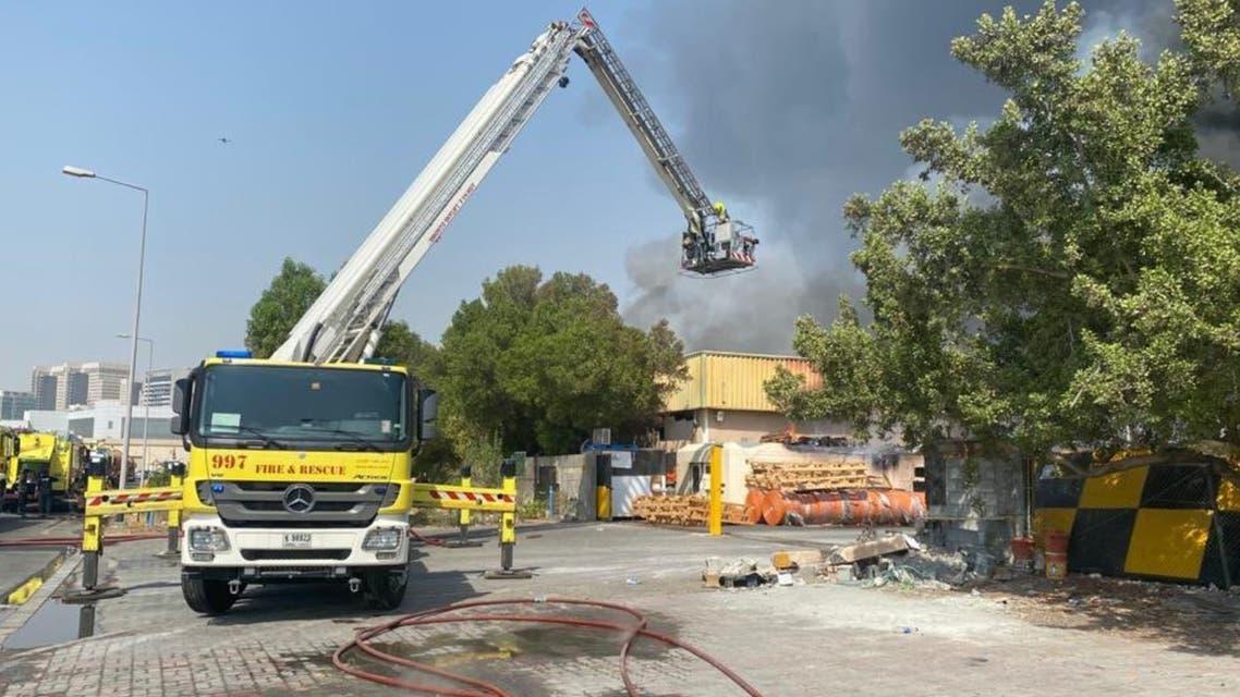حريق في مصنع بلاستيك في دبي