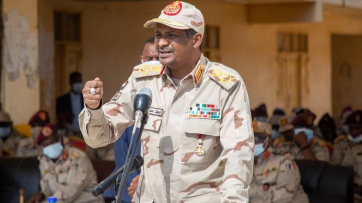 حميدتي ينتقد السياسيين: لن نسمح بالانقلاب في السودان