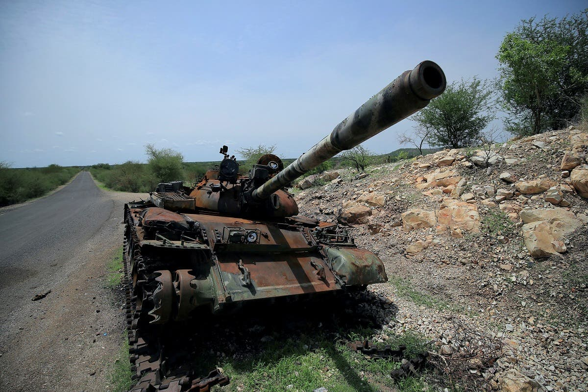 A tank damaged during the fighting between Ethiopia's National Defense Force (ENDF) and Tigray Special Forces stands on the outskirts of Humera town in Ethiopia on July 1, 2021. (File photo: Reuters)