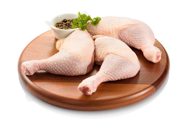 أفخاذ الدجاج (آيستوك)