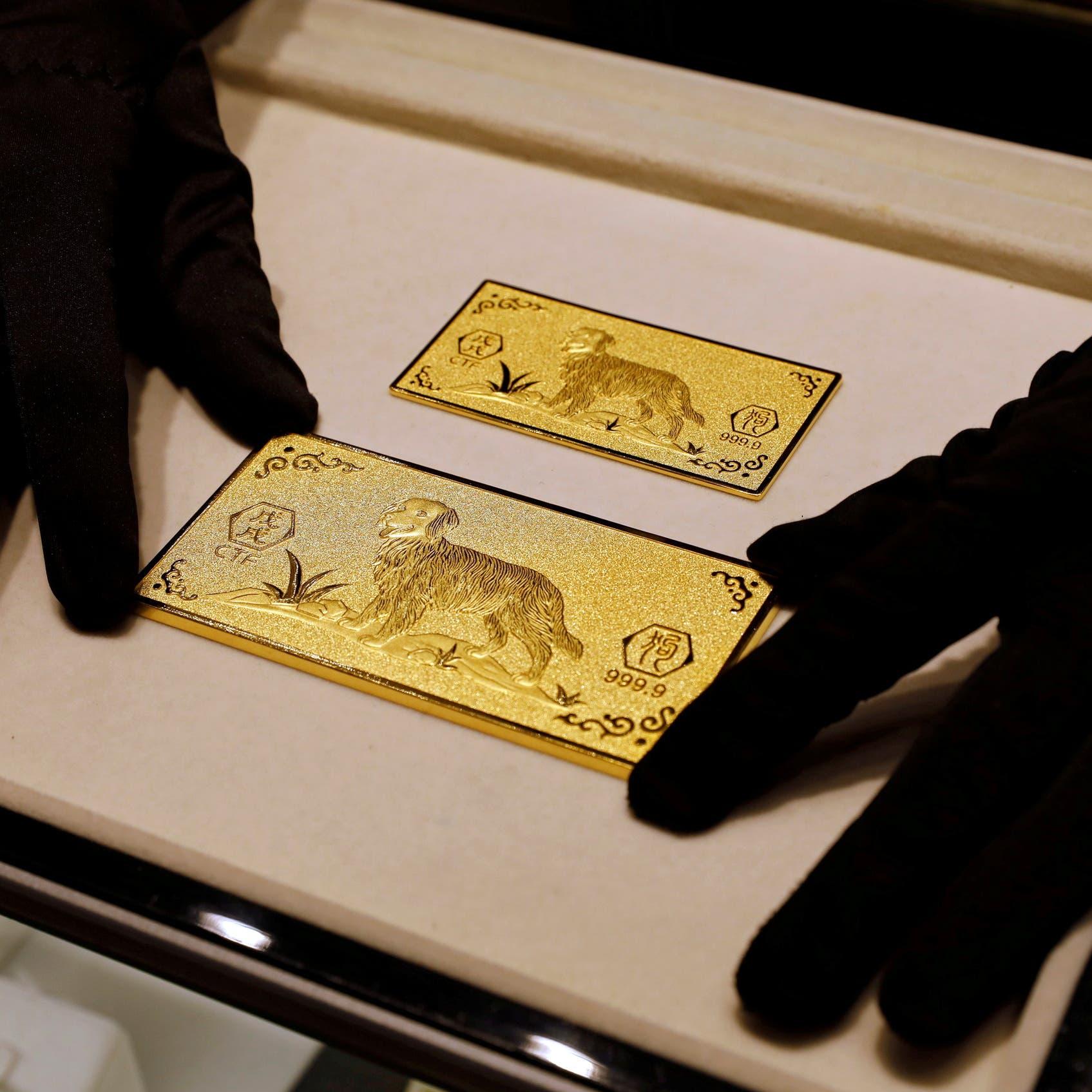 """القلق من """"دلتا"""" يدعم الذهب.. والدولار يحد من الصعود"""