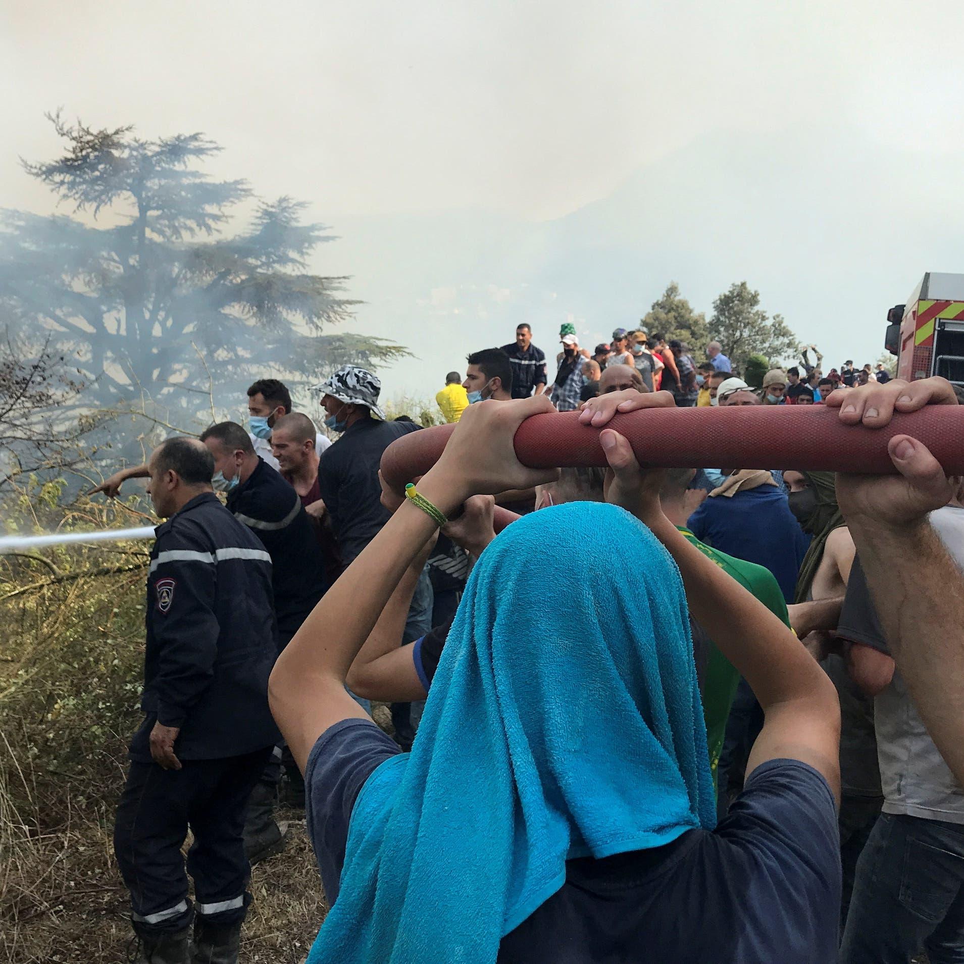 الجزائر: إخماد 43 حريقاً في 20 ولاية خلال 24 ساعة