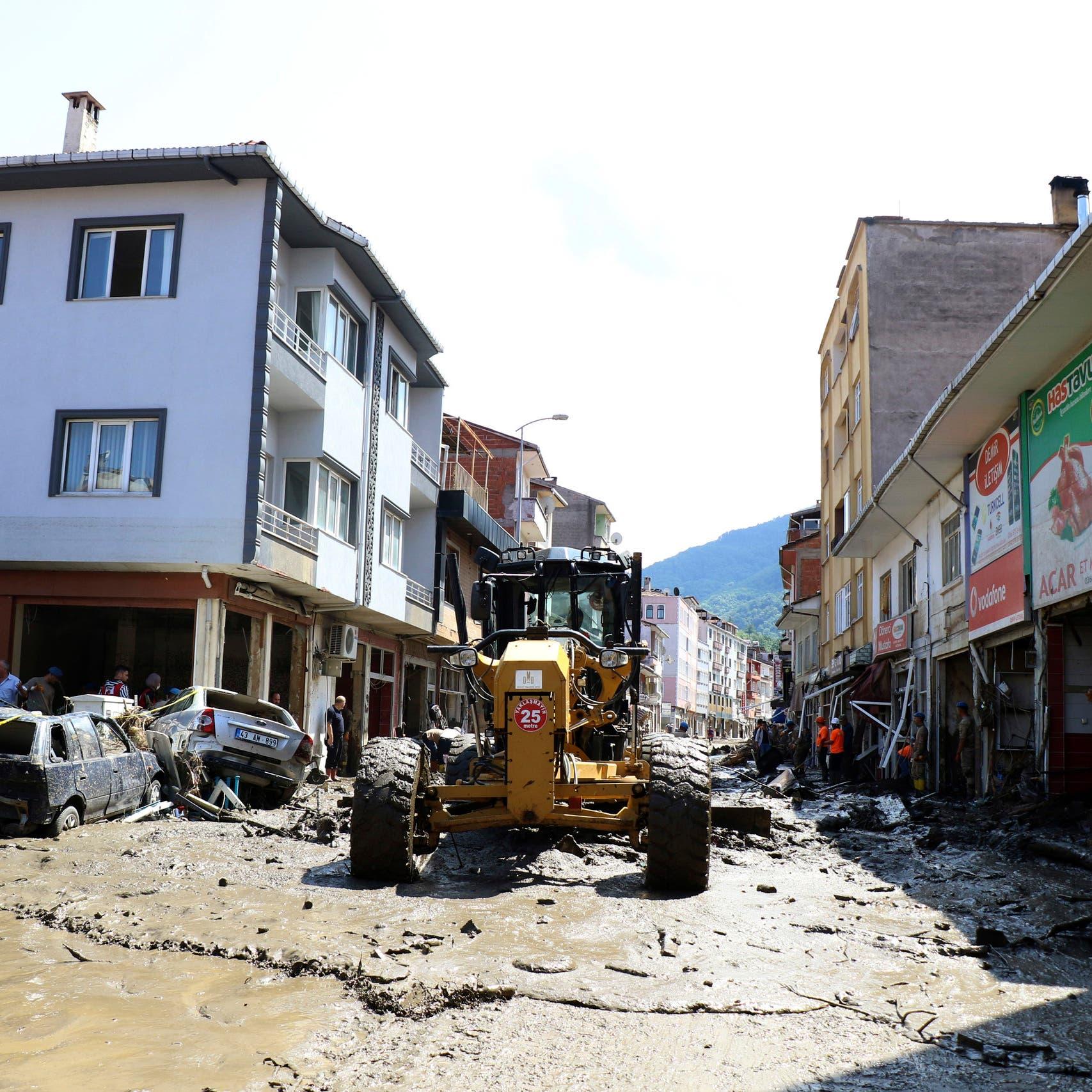 تركيا.. ارتفاع حصيلة قتلى السيول والفيضانات إلى 55 شخصا