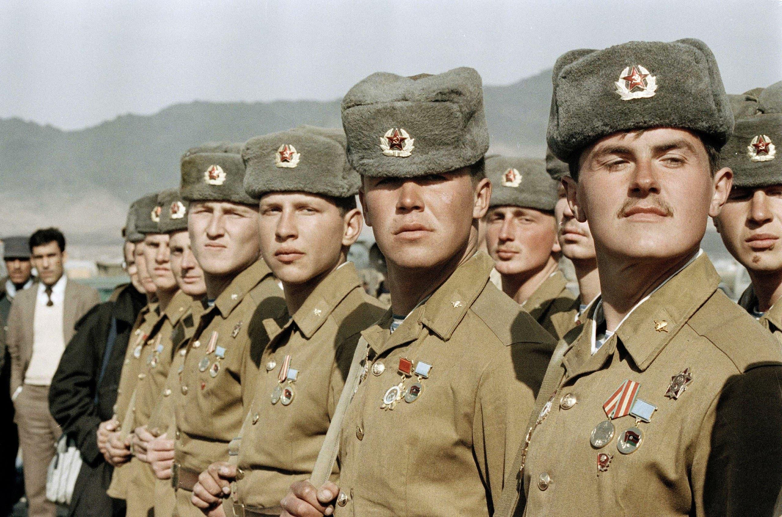 جنود سوفيت بأفغانستان