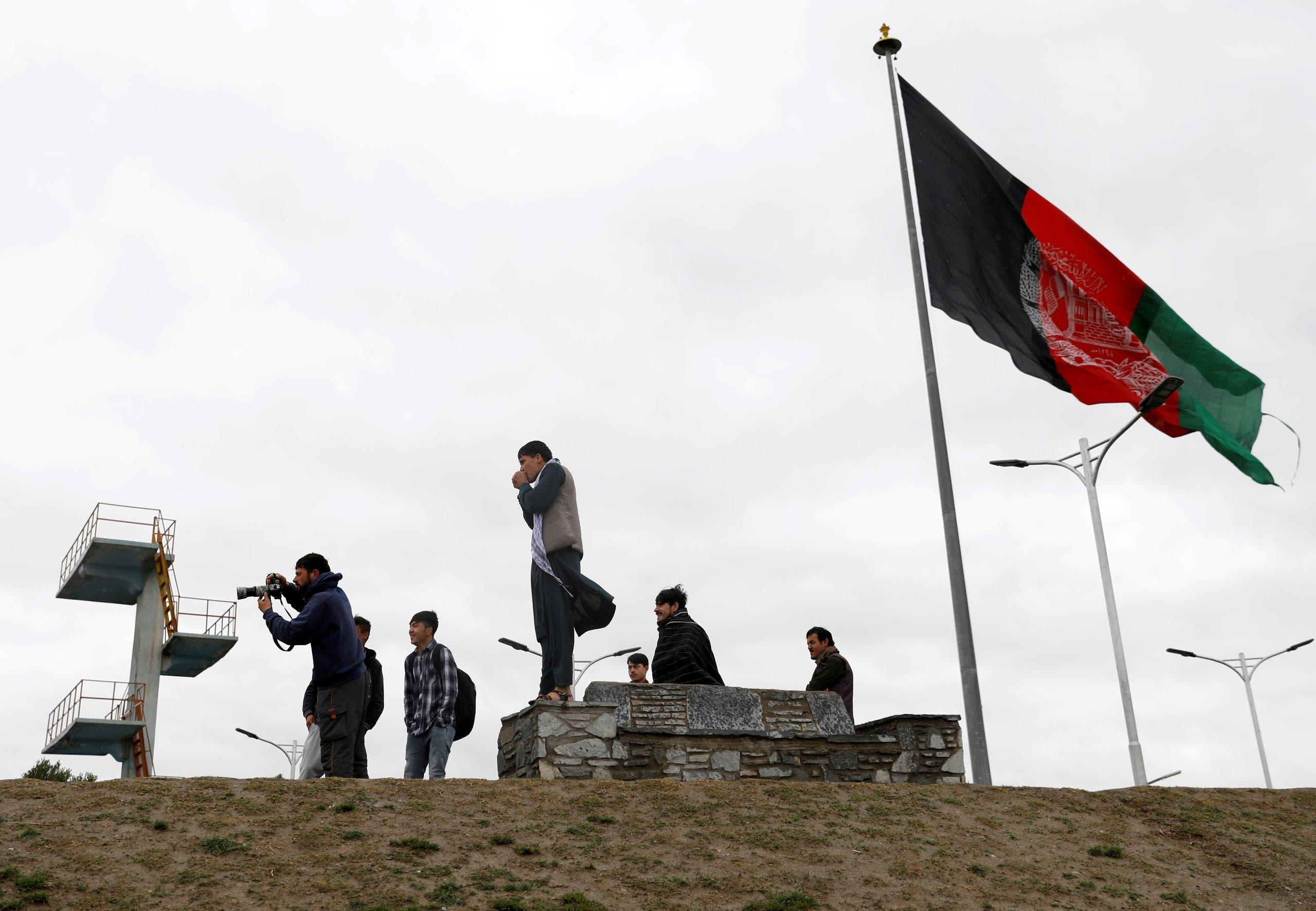 العلم الأفغاني في كابل (أرشيفية- رويترز)