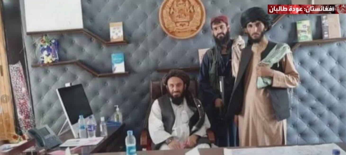 عناصر حركة طالبان في القصر الرئاسي في كابل