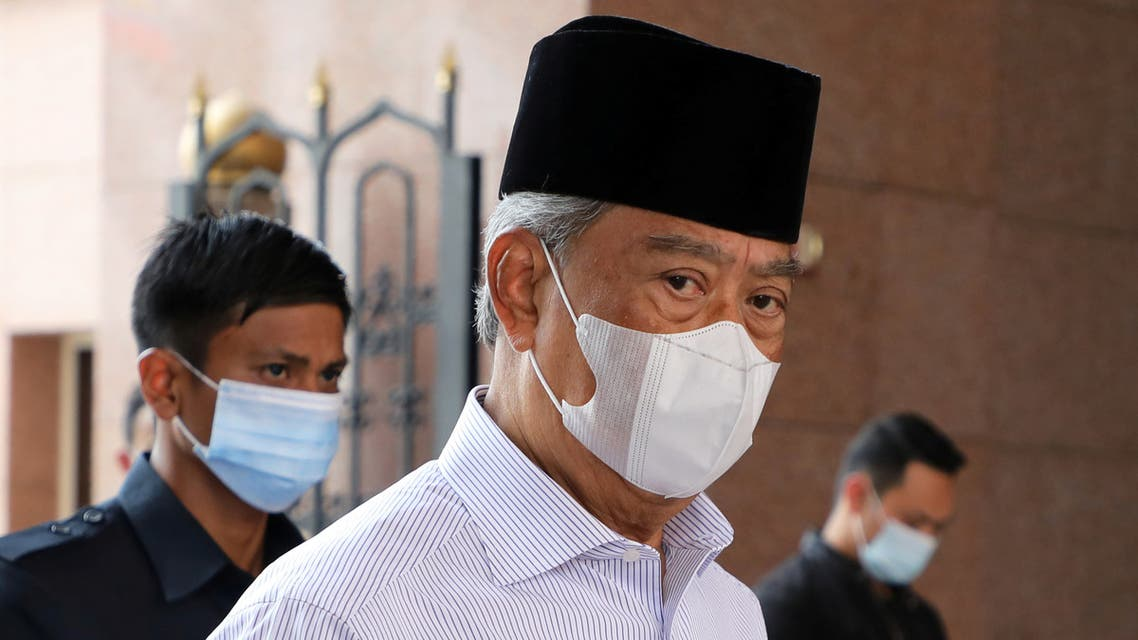 Malaysia's Prime Minister Muhyiddin Yassin wearing a protective mask arrives at a mosque for prayers, amid the coronavirus disease (COVID-19) outbreak in Putrajaya, Malaysia August 28, 2020. (Reuters)