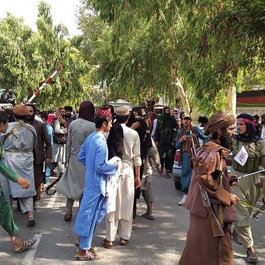 طالبان تفرج عن آلاف الإرهابيين.. وبايدن يتدخل