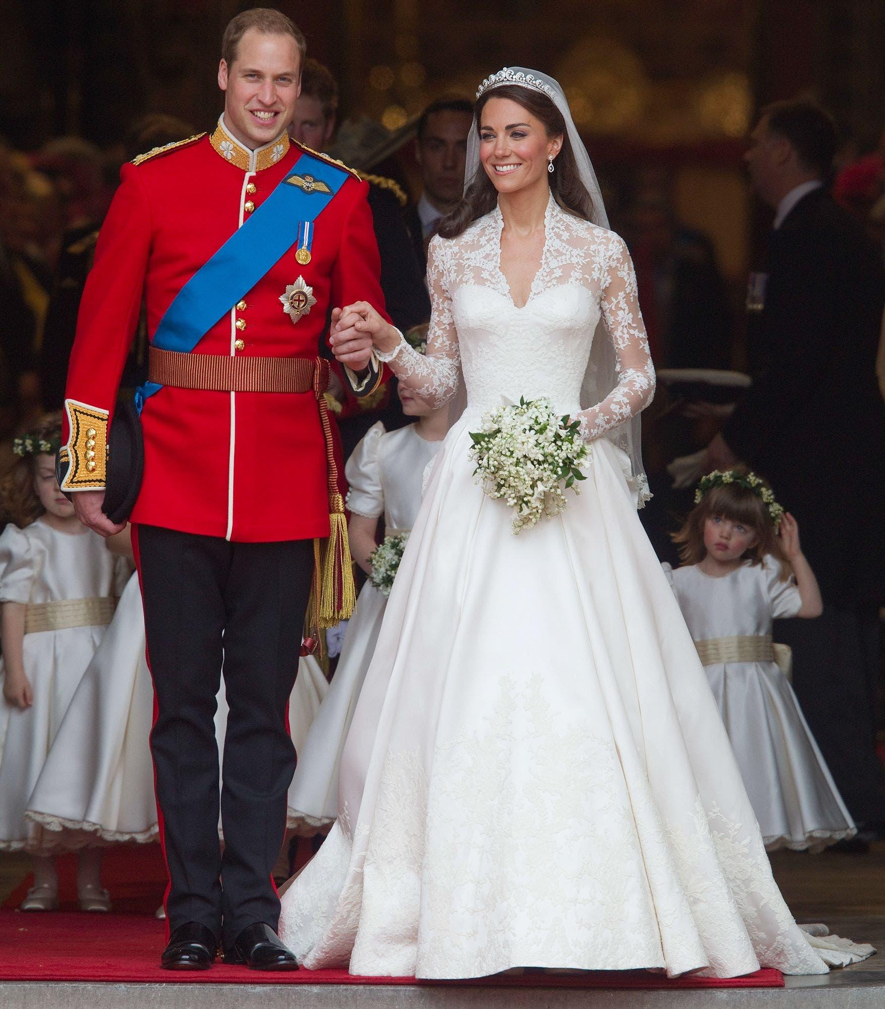كايت ميدلتون بثوب زفافها من الأمير ويليام