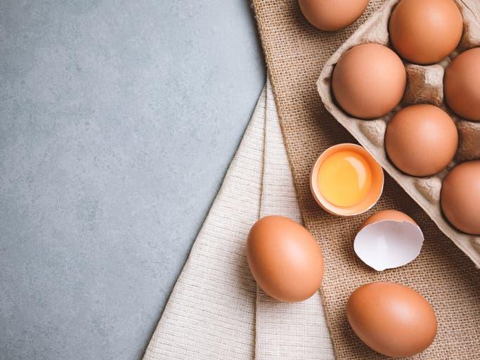 بيض (آيستوك)