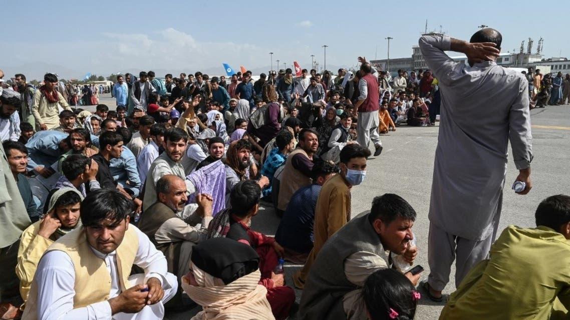 من مطار كابول أثناء تكدس الأفغانيين للخروج من البلاد - فرانس برس