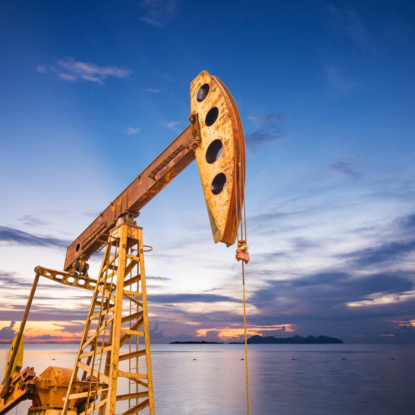 أسعار النفط تقفز وسط تهديد عاصفة أخرى لخليج المكسيك