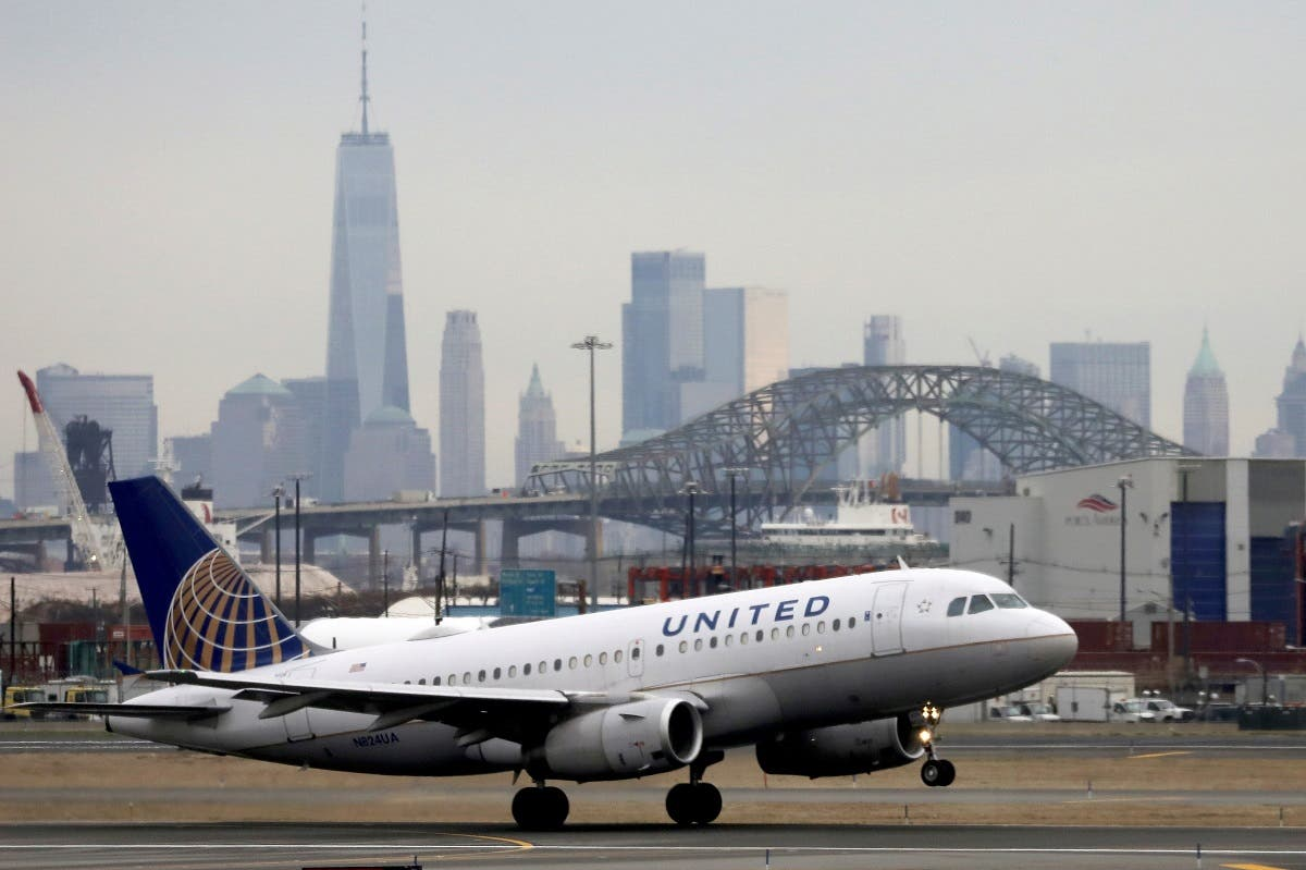 A United Airlines passenger jet takes off with New York City as a backdrop, at Newark Liberty International Airport, New Jersey, US. (File photo: Reuters)