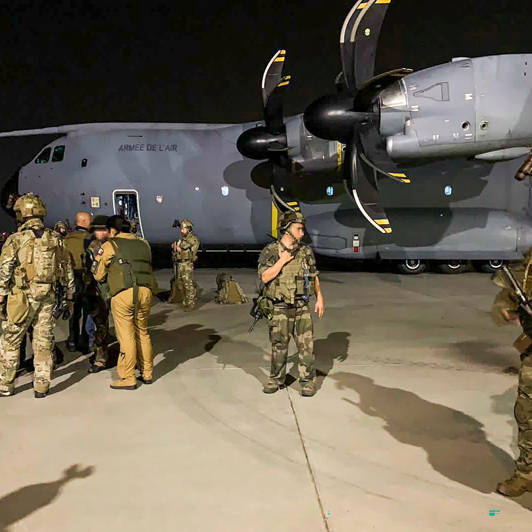 4500 جندي داخل مطار كابل.. ولا أحد يتعامل مع الفوضى خارجه