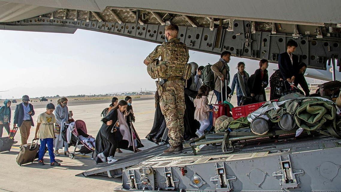 من عمليات الإجلاء بمطار كابل 2