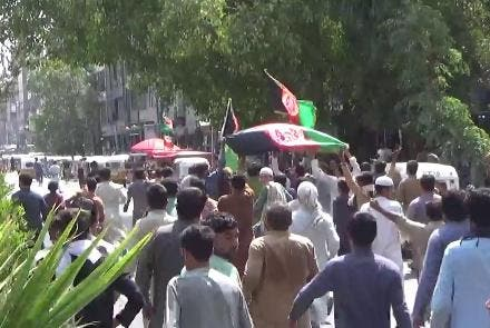 Heavy bullets and repression. Two dead and wounded in an anti-Taliban demonstration