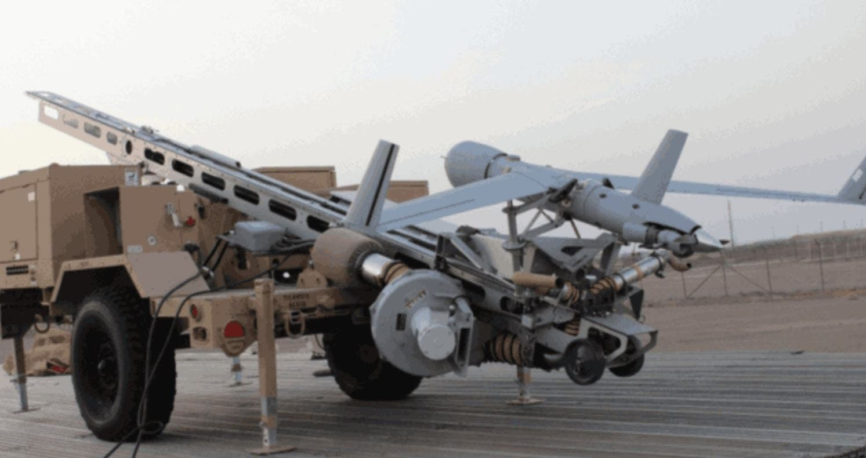 أسلحة استولت عليها طالبان (تويتر)