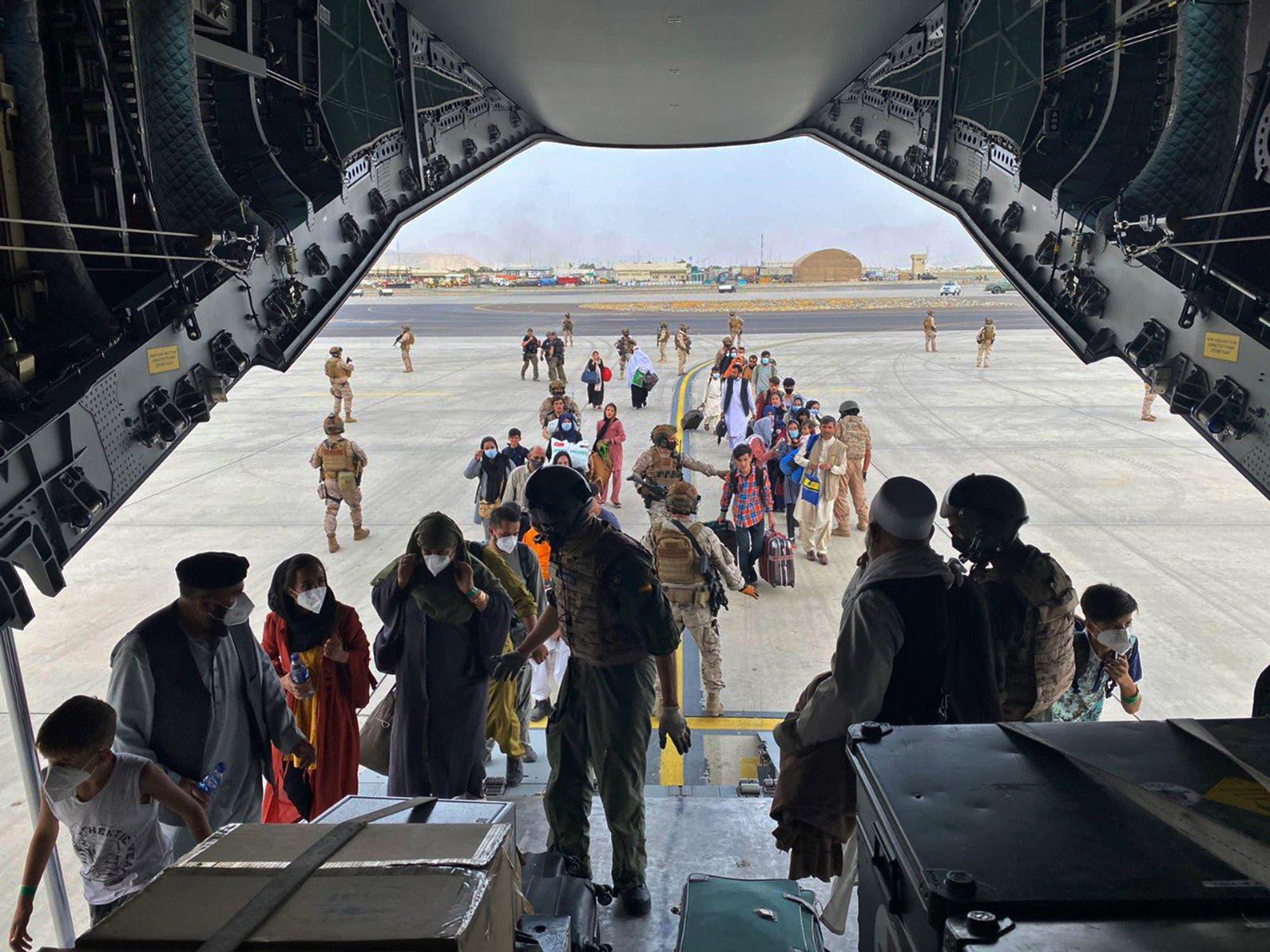 من محيط المطار في كابل (أرشيفية- أسوشييتد برس)