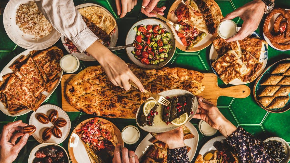 الإفراط في الطعام من العادات الضارة بالصحة