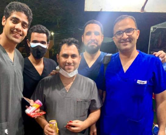 الفريق الطبي المعالج للحالة