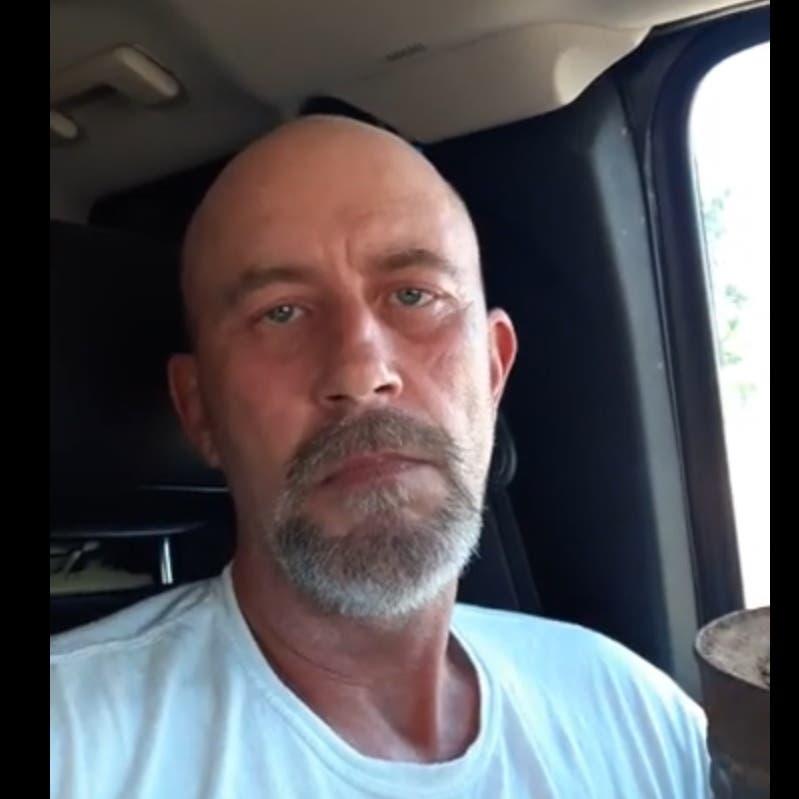 """سائق شاحنة الكونغرس يهدد بتفجيرها: """"بايدن المسؤول"""""""