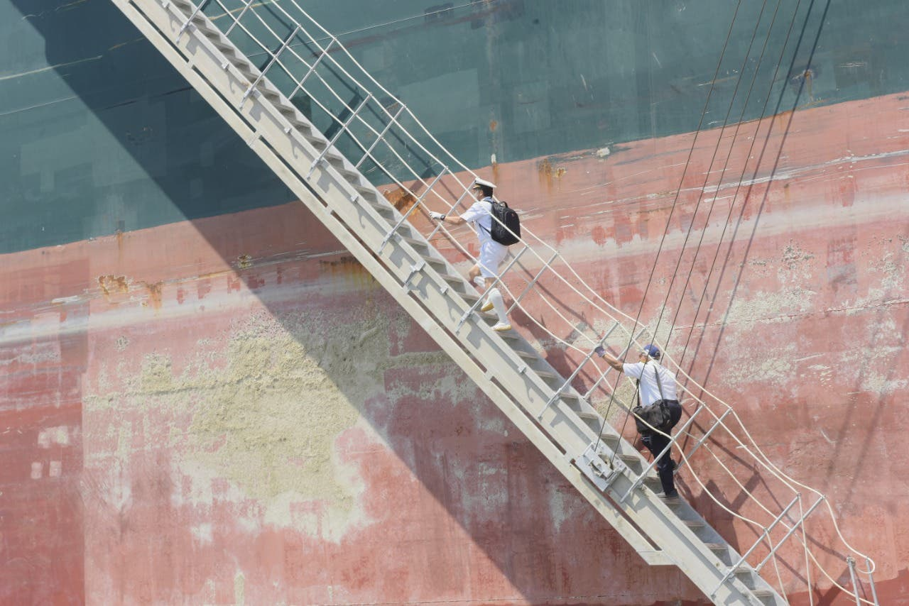 سفينة إيفر غيفن تعبر قناة السويس مجدداً