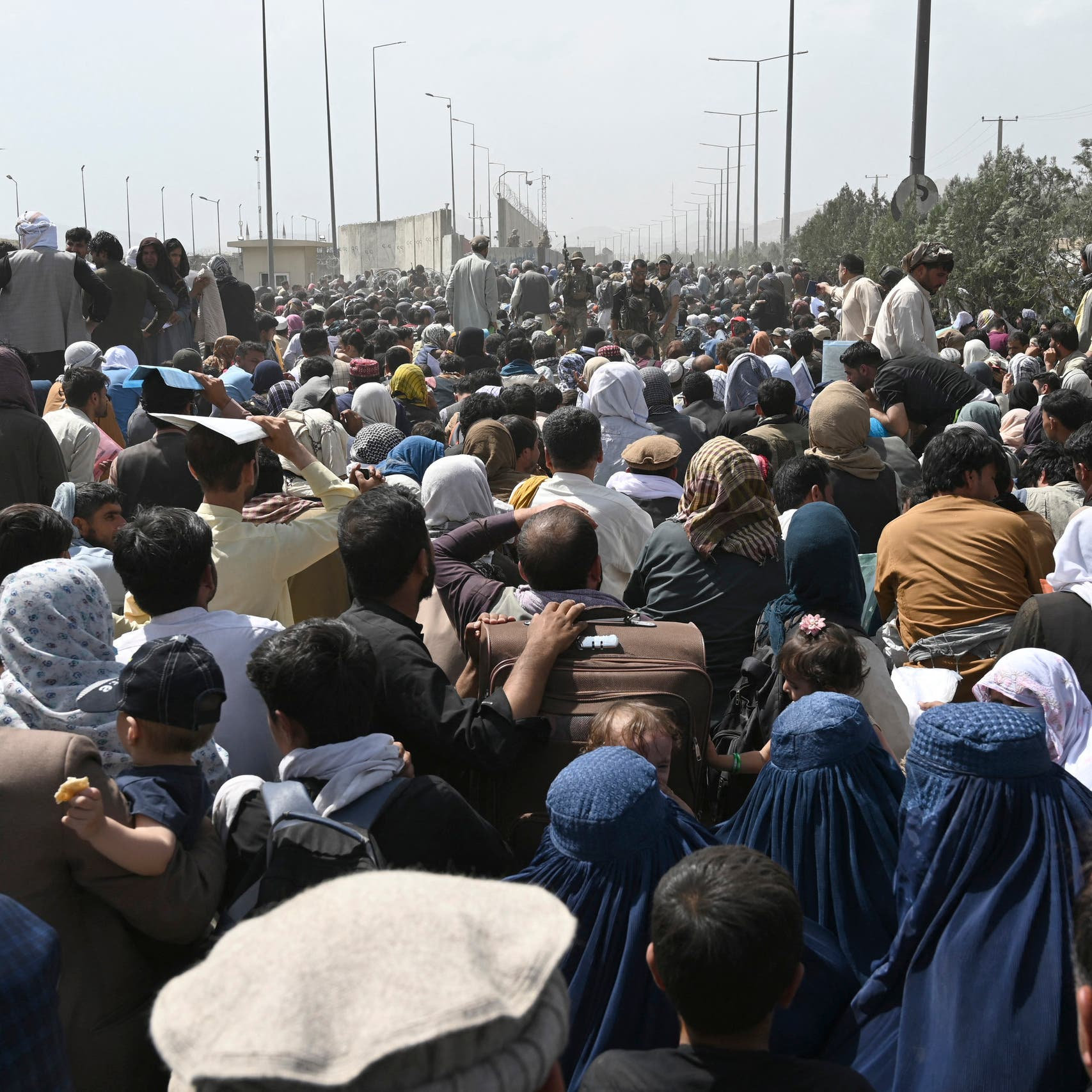 US to blame for chaos at Kabul airport as hundreds attempt to flee: Taliban official