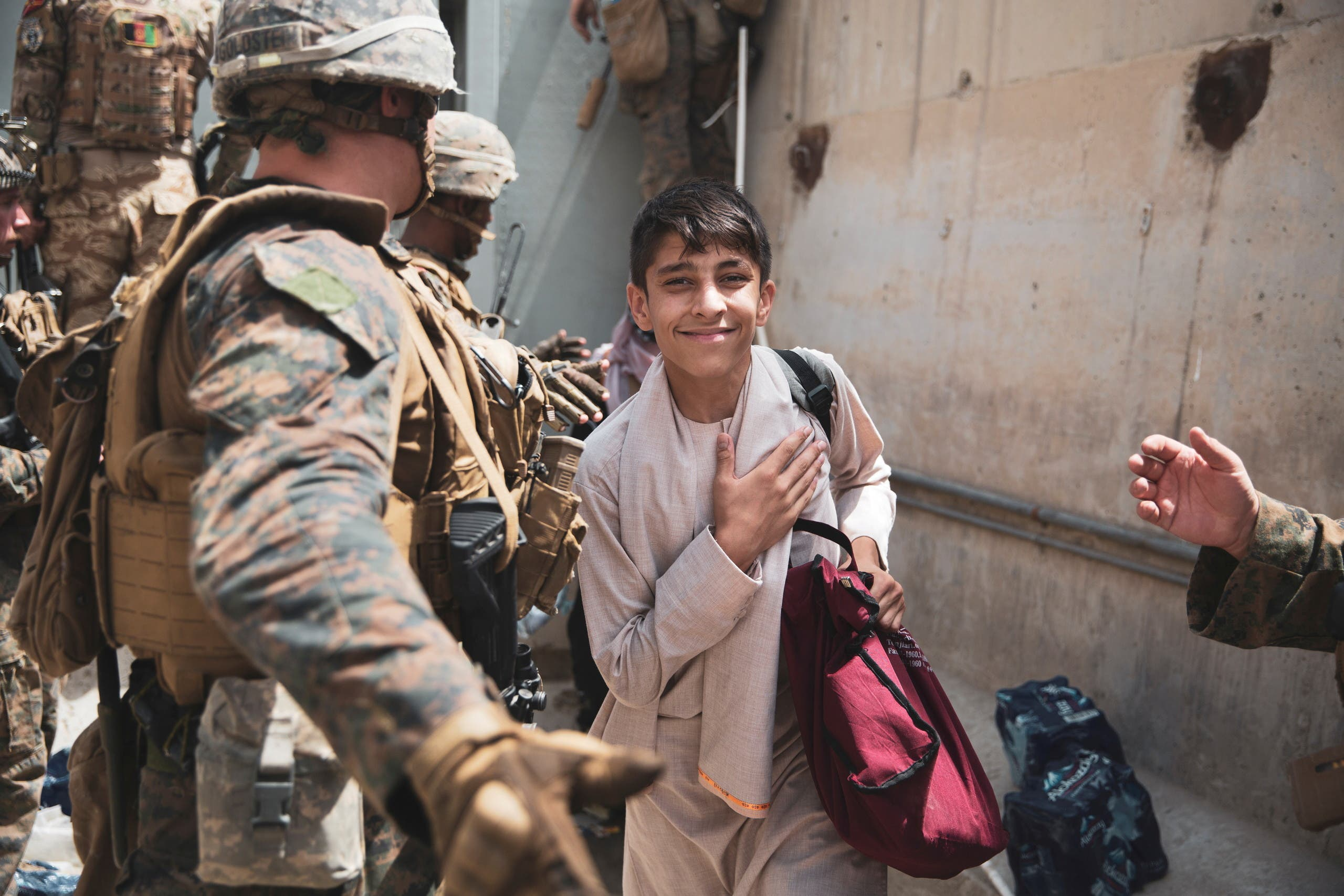 خلال عمليات الاجلاء في مطار كابل (أرشيفية من رويترز)