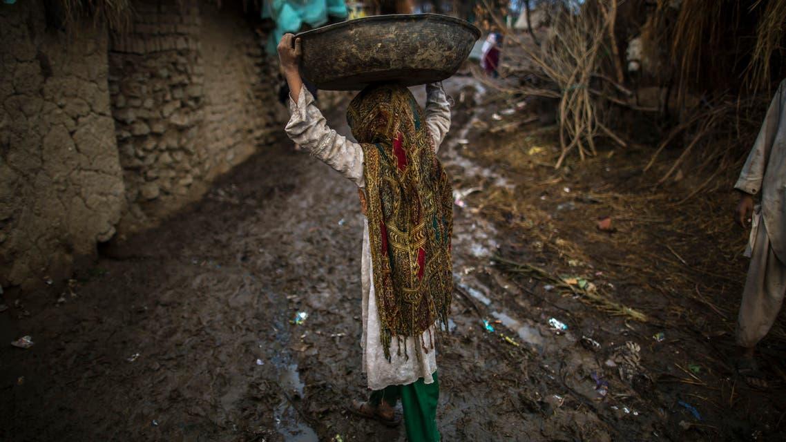 طفلة أفغانية (رويترز)