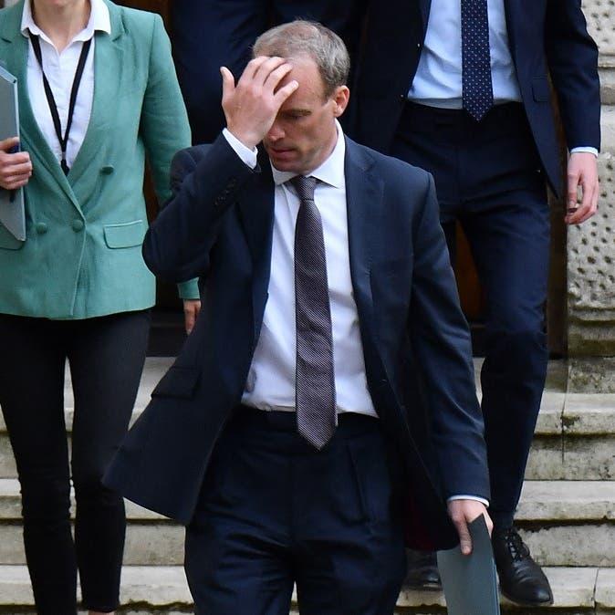 وزير خارجية بريطانيا في مأزق.. ذهب بإجازة رغم سقوط كابل