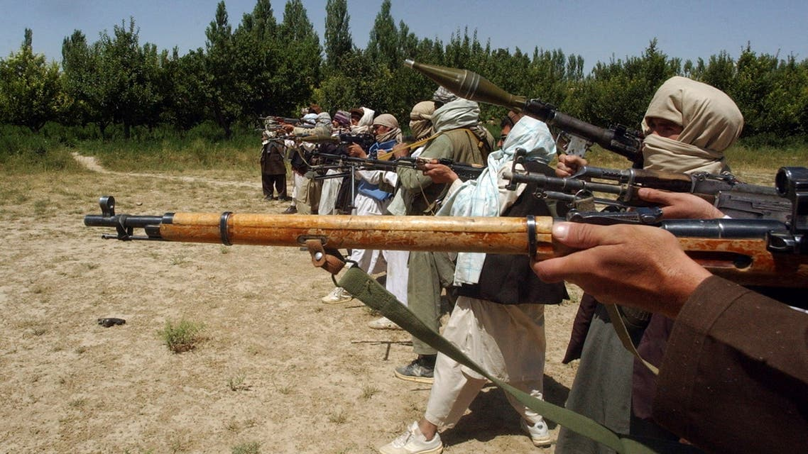 Taliban fighters train with their weapons in an undisclosed location in Afghanistan July 14, 2009. (File photo: Reuters)