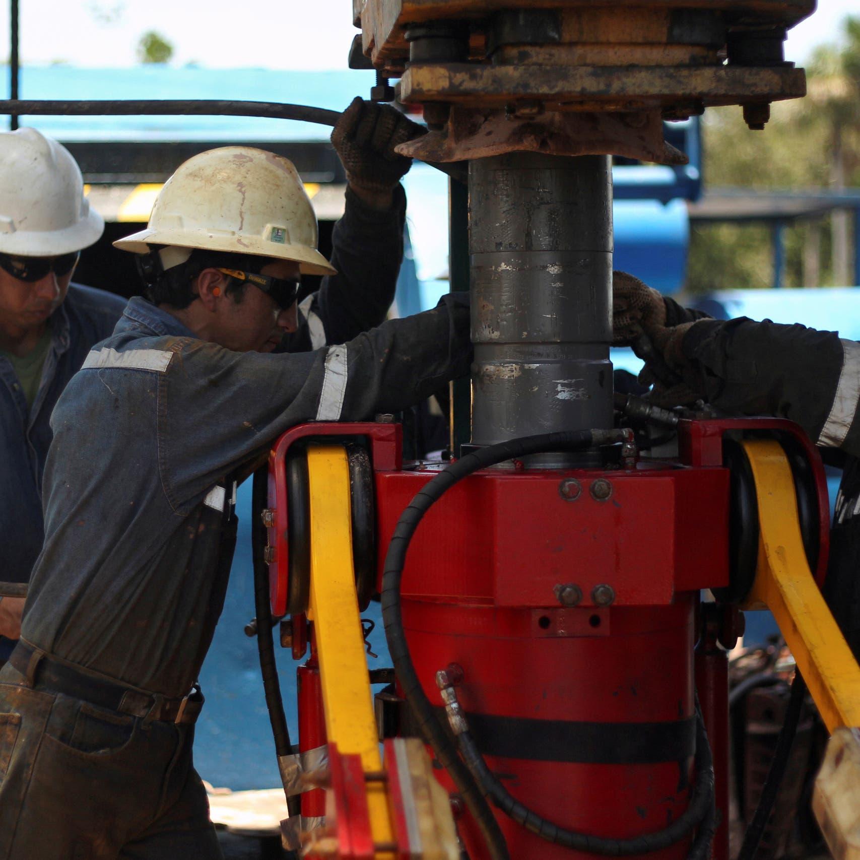 أسبوع قاتم لأسواق النفط.. صوب تسجيل خسارة ثقيلة