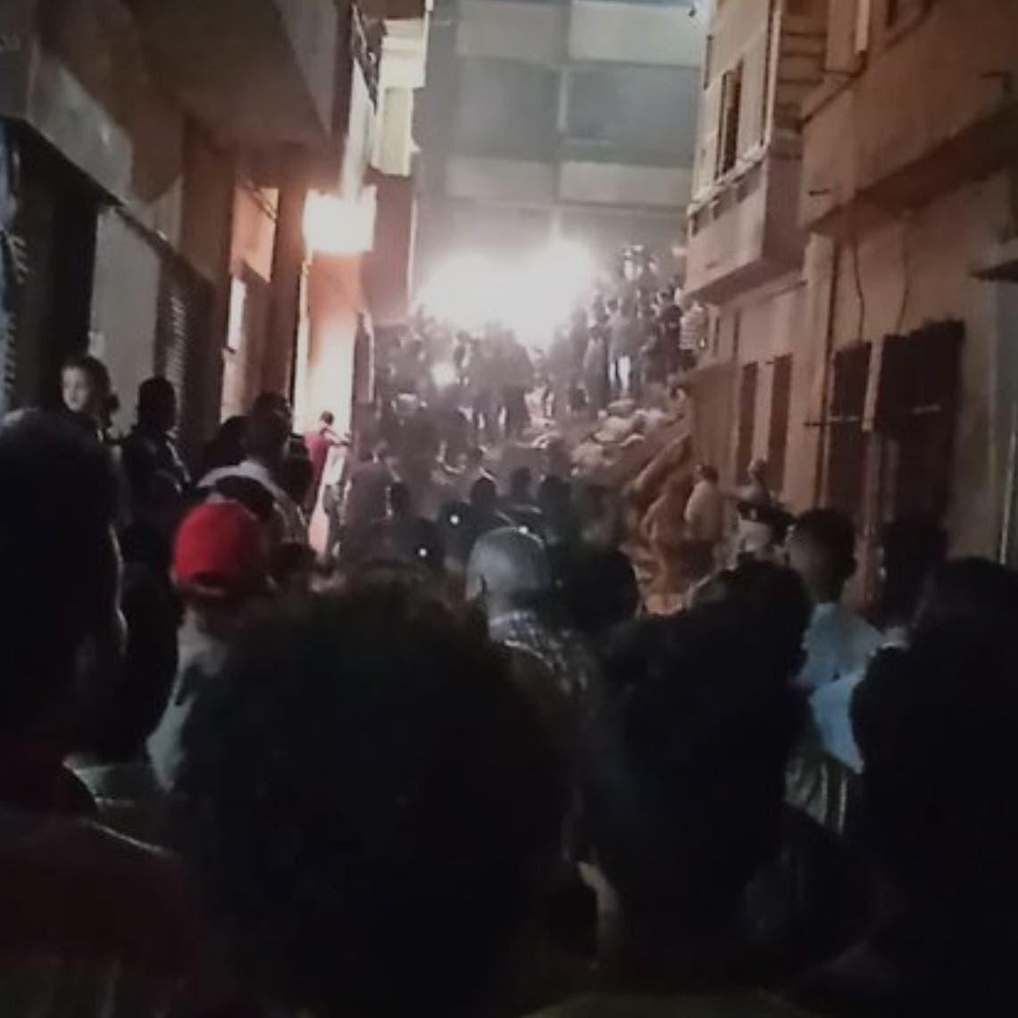 شاهد الفيديو.. قتيلان بانهيار منزل في مصر