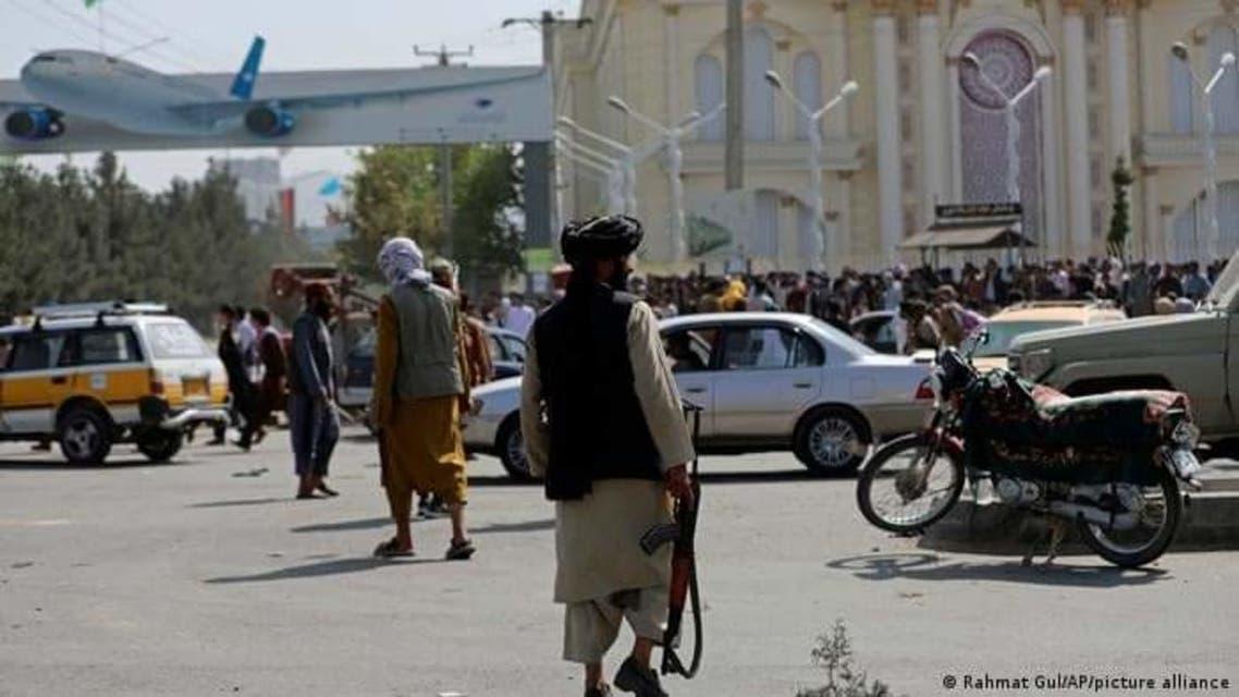 ازدحام مقابل فرودگاه کابل